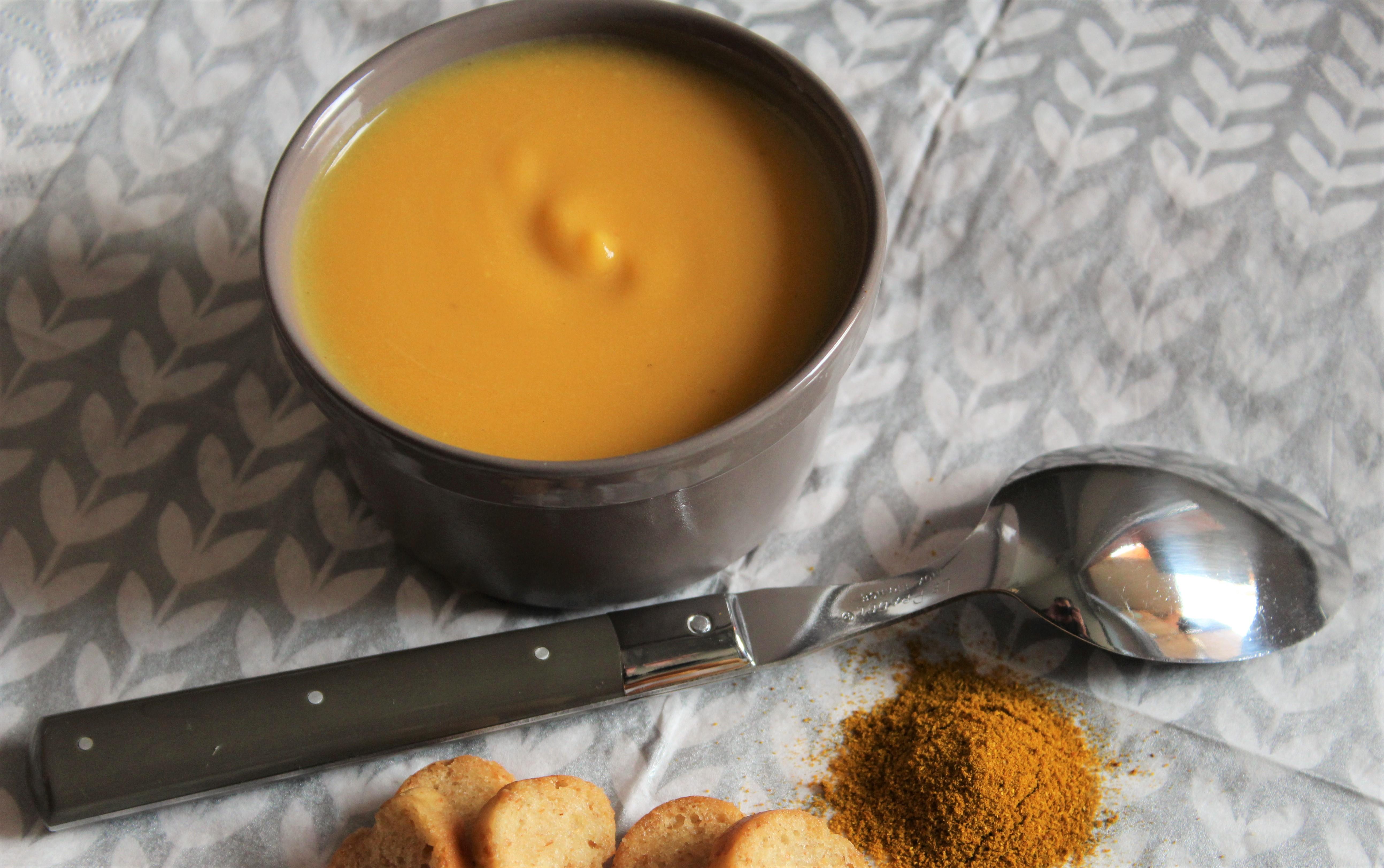Velouté de Potiron au Curry et Crème de Soja