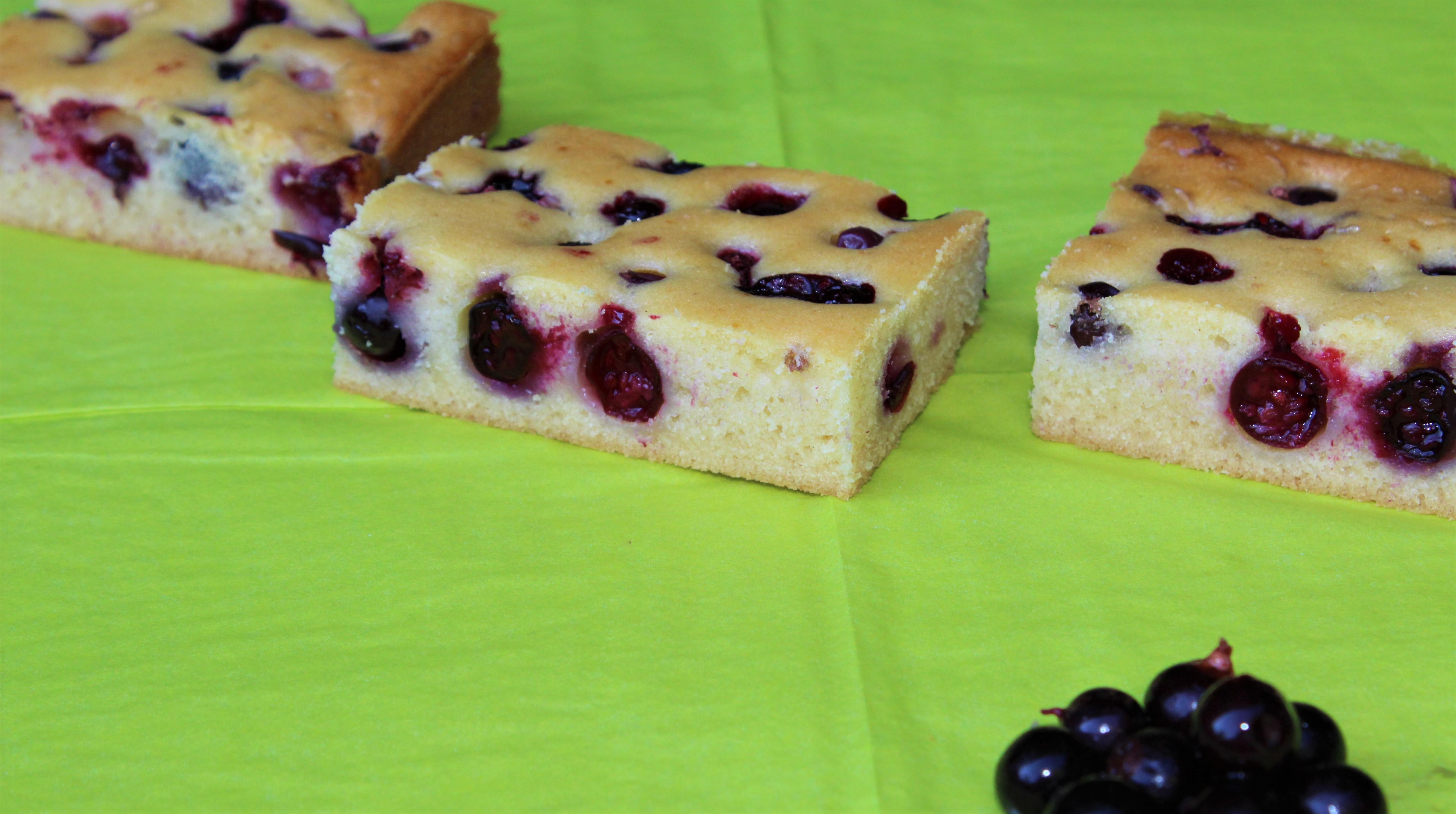 Gâteau Moelleux au Cassis