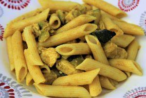 Délicimô ! - Recette Pâtes Penne, Courgettes, Filet de Poulet au Curry - www.delicimo.fr
