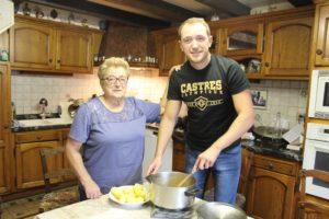 Yannick, fondateur du blog culinaire Délicimô avec sa grand-mère Irène Benoit originaire de Brassac (Tarn) - www.delicimo.fr