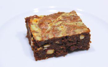Délicimô ! - Recette de l'Authentique et Traditionnel Gâteau Brownie Marbré au Chocolat et aux Noisettes - Fait Maison – Pas à pas - Etape par étape - Yannick Rolland - www.delicimo.fr